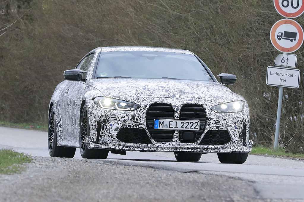 【スクープ】「CSL」がついに帰って来る!BMW 超高性能クーペ『M4 CSL』、市販型を初スクープ