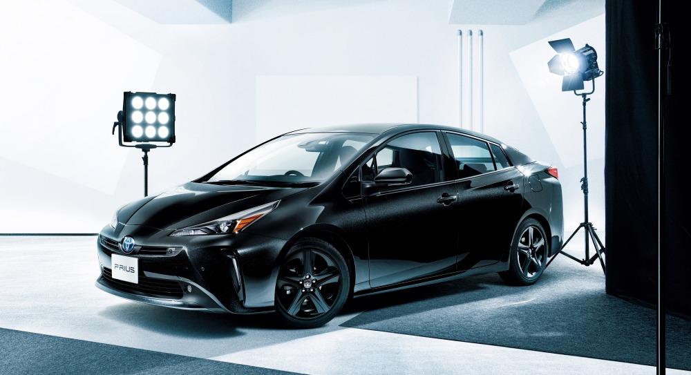 【詳細/価格は?】トヨタ・プリウス/プリウスPHV一部改良 ブラック基調の特別仕様車発売