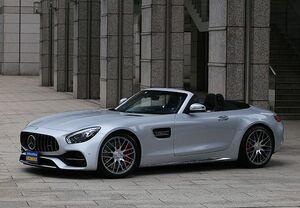 「最新スーパーカー試乗」鮮烈ロングノーズ。AMGのマルチな世界を体現したGT Cロードスターのアピール力