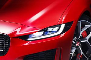 真っ赤な高級車が映える女性は誰!? 元日本代表はスバリスト? 人気女性タレントの愛車3選