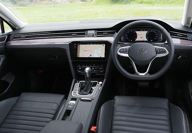 「最新モデル試乗」まじめで上質。より高機能に変身したVWパサートからドイツ車の本質が見えた!
