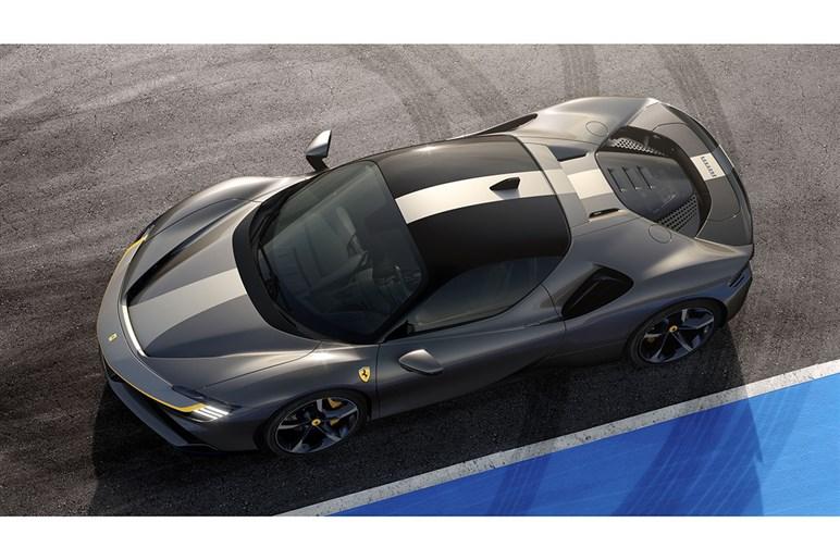 フェラーリ初のPHEV・SF90ストラダーレをテスト。銀座通りでV8の爆音を響かせる時代はもう終わりだ