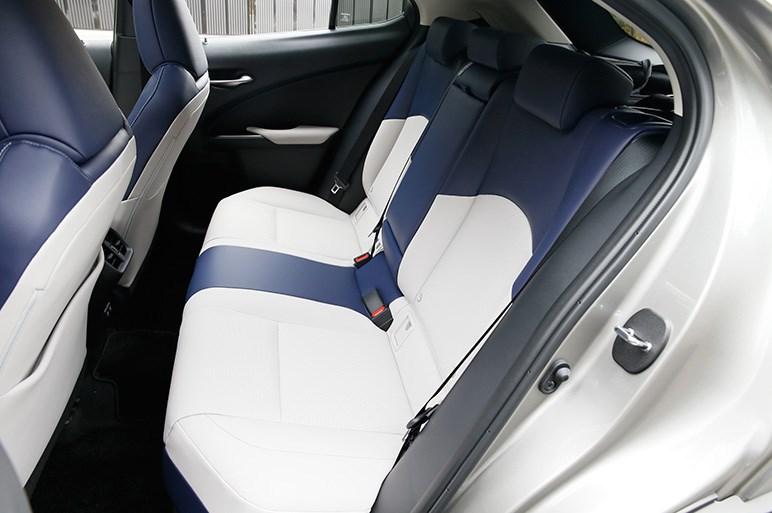 レクサス最小SUV「UX」発売 欧州プレミアムブランドは好敵手揃いだがはたして?