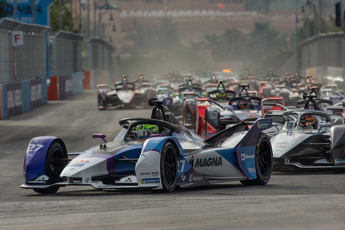 「未来のレース」のハズの「フォーミュラE」に暗雲! アウディ・BMWがこのタイミングで撤退を決めたワケ