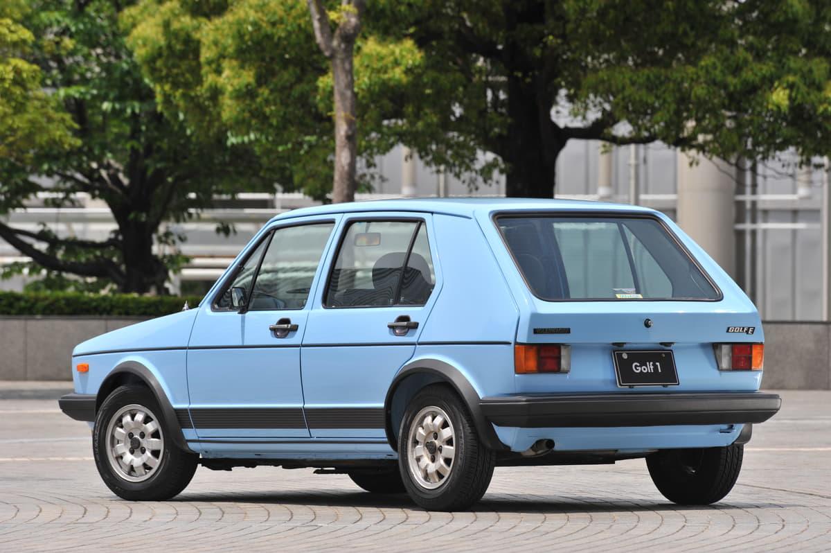 「庶民のスポーツカー」の金字塔! 「ゴルフ初代GTI」が想定外のヒットを飛ばした理由とは