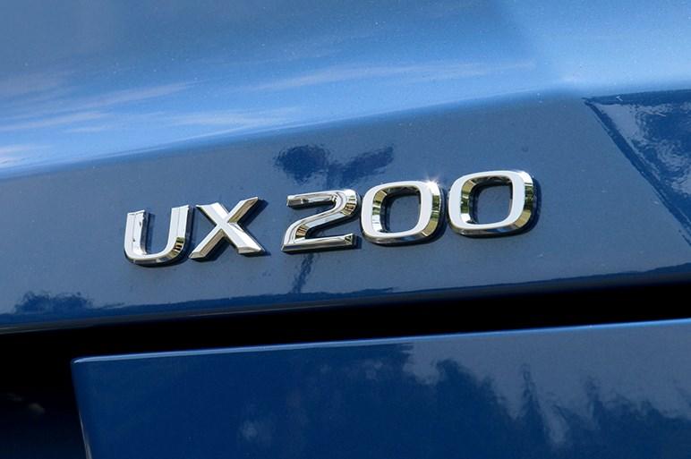 レクサス UXはかつてのクラウンやセルシオに代わる新しいプレミアム像を築くかもしれない