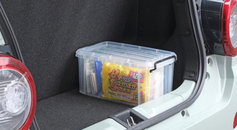 愛車に備蓄しておくと安心!緊急時でも車内で過ごせるアイリスオーヤマの車載防災セット