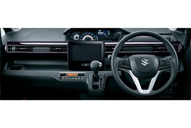 スズキ ワゴンR 標準車のシンプルなデザインは貴重だがACCは非装備。マイルドHVを選びたい