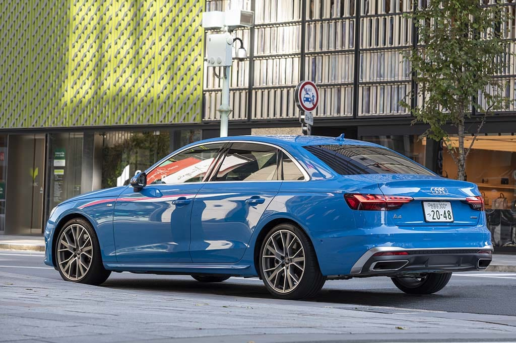 【比較試乗】「アウディ A4 vs メルセデス・ベンツ Cクラス vs BMW 3シリーズ」ブランド色を濃厚に映し出すバランスに優れた中堅セダンはどれだ?