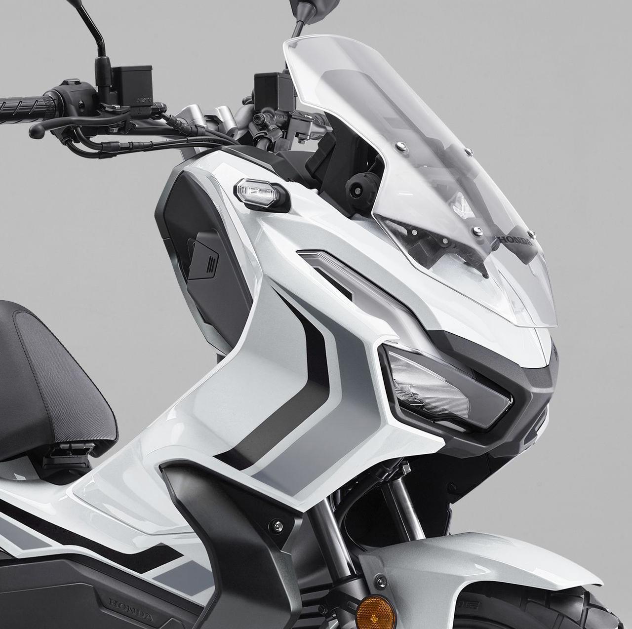 ホンダが「ADV150」の限定カラー・ロスホワイトを発売! カラーバリエーションは一時的に4色に【2021速報】