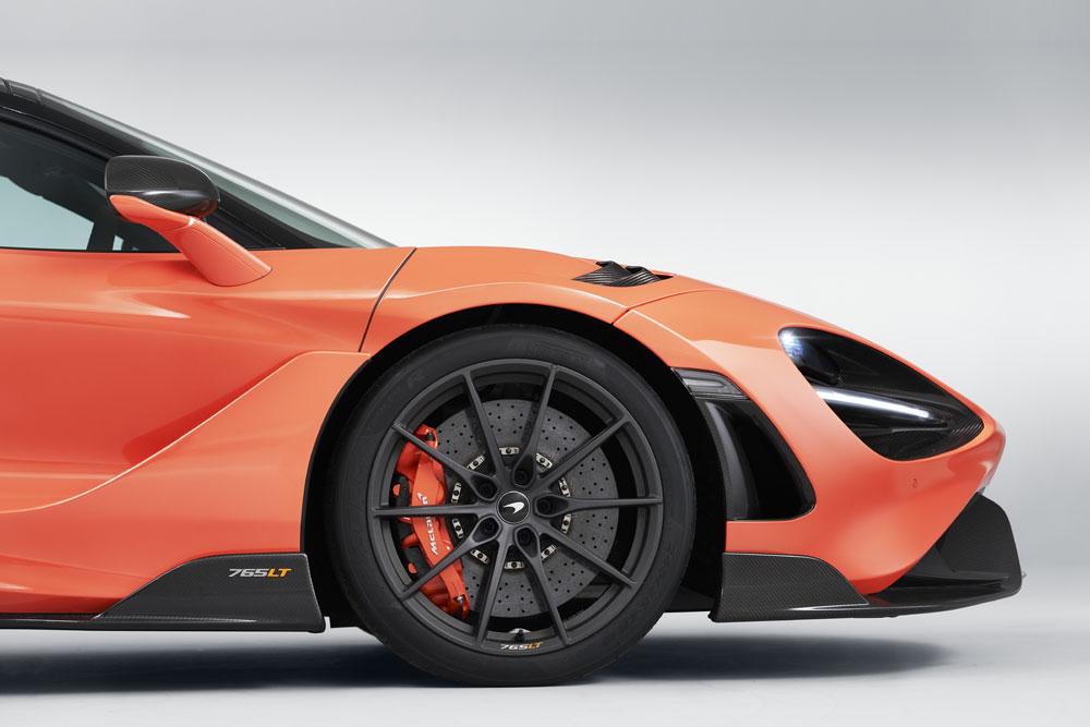 【価格/スペック/内装は?】マクラーレン新型車、765LT 最高速度330km/h ローングテールを名乗る限定モデル