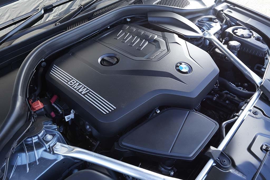 """【比較試乗】「BMW 5シリーズ vs アウディA6 vs メルセデス・ベンツ Eクラス」各ブランドの最先端技術を搭載した中核モデル。""""三つ巴""""再び!"""
