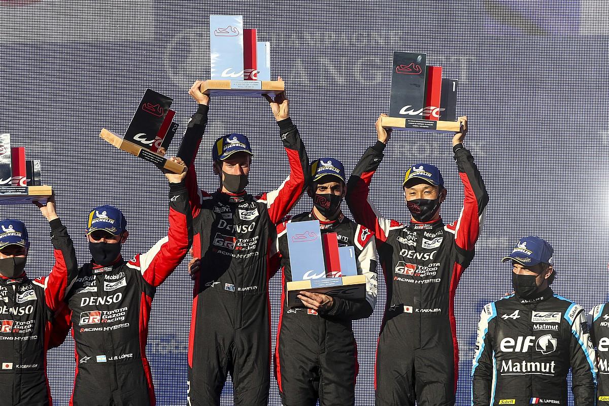 """トヨタWECチーム、ポルティマオ8時間レース終盤の""""チームオーダー""""を説明"""