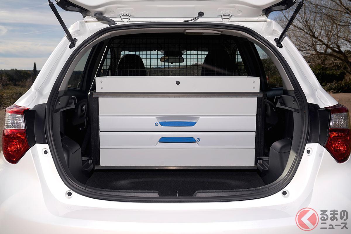 2人乗りのトヨタ新型「ヤリス バン」登場! 5ドアのまま後席撤去で商用車化 その姿とは