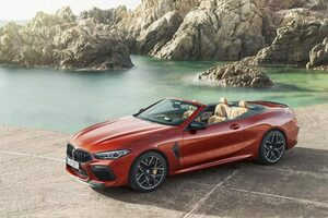 『BMW M8カブリオレ』上陸。15秒で開閉可能な多層式ソフトトップ採用