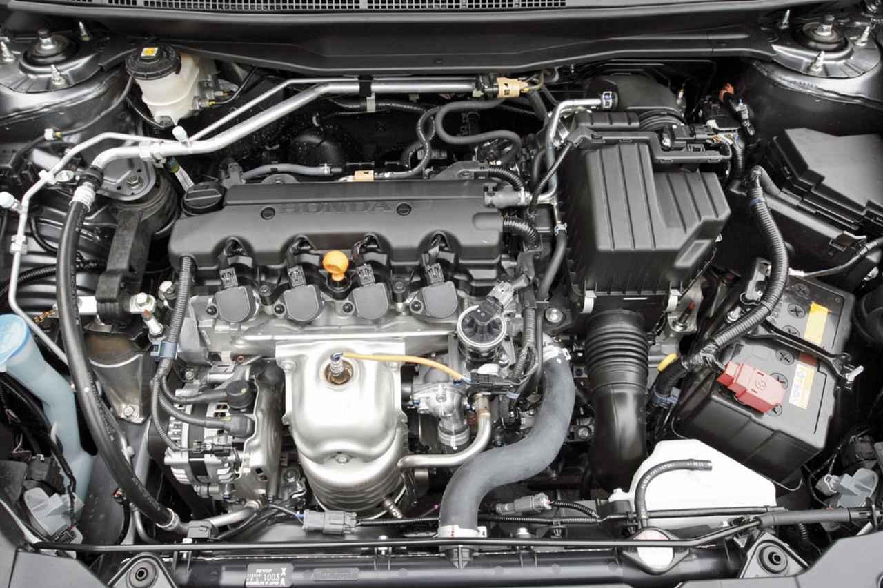 【10年ひと昔の国産車 26】ホンダ ストリームはミニバンとは思えない質の高い乗り味を実現していた