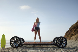 GM 排出ガスゼロに向け電動化を強力に推進 ブランドロゴも新デザインに