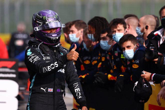 ハミルトン劇的な挽回で2位「周回遅れに対して我慢が足りなかったせいで、大変な一日に 」メルセデス/F1第2戦