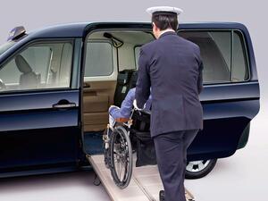 トヨタがJPN TAXI(ジャパンタクシー)を車いすでの乗降性を改善するなど一部改良