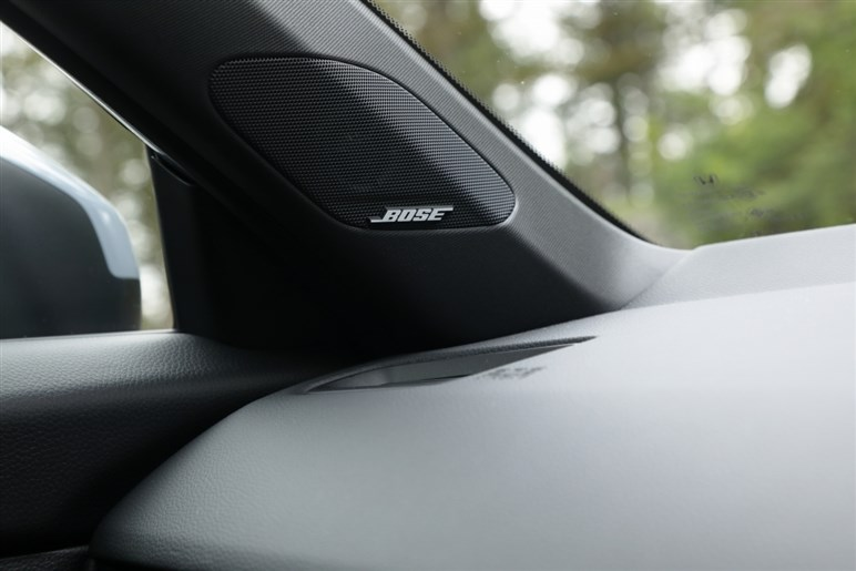 新型ホンダ「シビック」試乗 見た目も走りも居住性もヨシ。これを自動車界の十徳ナイフと呼びたい