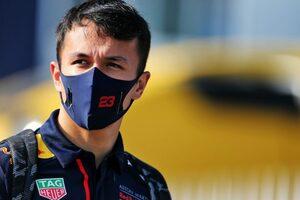 アルボン9番手「個人的にはスムーズな週末。フェルスタッペンに一歩近づいた」レッドブル・ホンダ【F1第8戦予選】