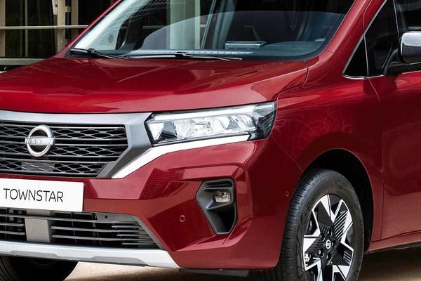 日産バッジの新型カングー「タウンスター」公開 和テイストな商用車 欧州で展開