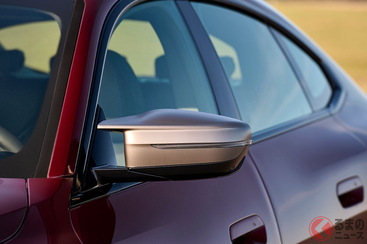 BMW新型「4シリーズ グランクーペ」世界初公開! 4ドアクーペの2代目は巨大キドニー顔で登場