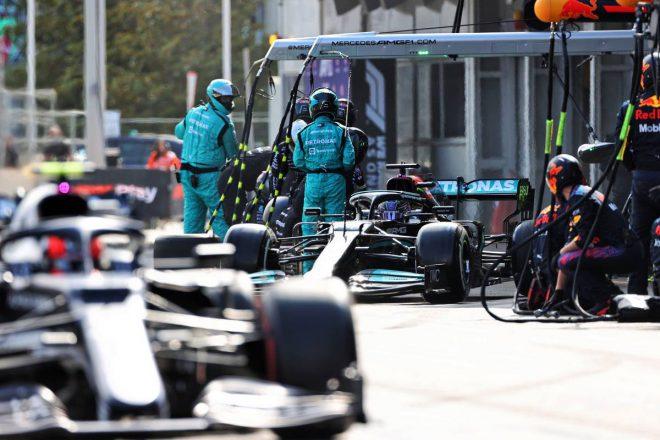 【F1第6戦無線レビュー(1)】「なんで彼らはあんなに前なんだ?」ハミルトン、タイヤ交換後にライバルとの差に愕然
