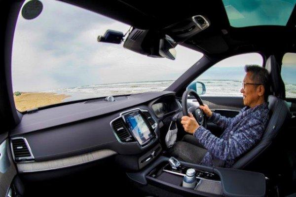 衝撃の全車電動化で実際どう?? ボルボの旗艦PHV XC90リチャージは国産電動SUV以上の実力派!?