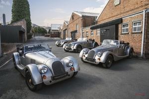 【限定20台】モーガン・プラス4の70周年記念車がロールオフ スティール製シャシー最後のモデル