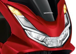 ホンダ「PCX160」の新色2022年モデルがタイで登場! 新鮮なイメージのマットレッドも採用