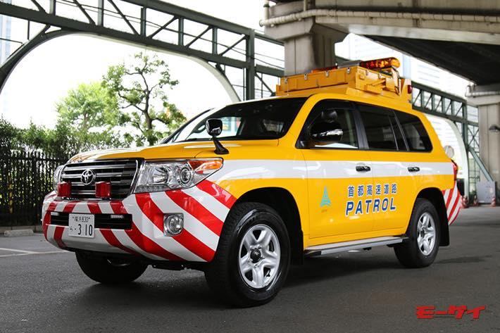 首都高をパトロールする「黄色いランクル」、1日に走る驚きの総走行距離とは?