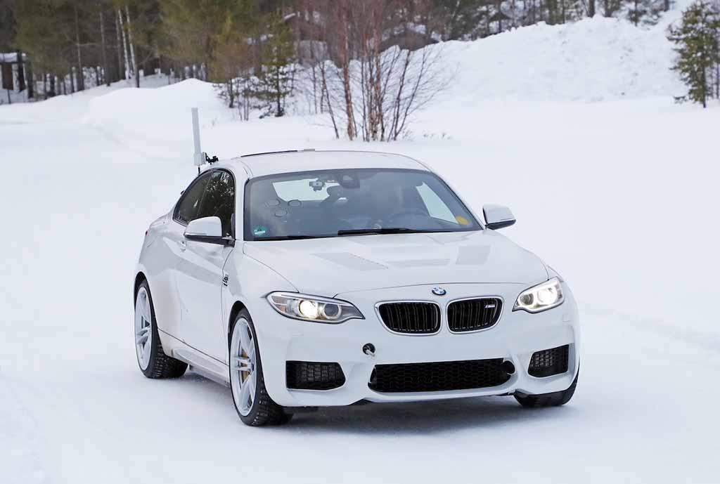 【スクープ】BMW高性能「M」、初のフルEVをM2に設定か!? プロトタイプを激写!