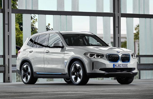 BMW初の電気自動車SUV「iX3」が世界初公開。市場投入は2020年後半から実施予定