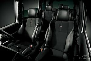 トヨタ ヴォクシーにおすすめのシートカバー5選 防水タイプから8人乗り用まで