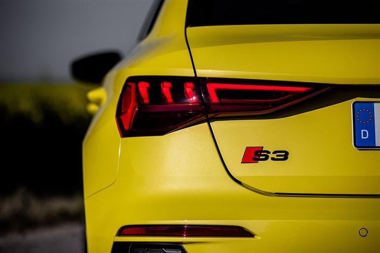 アウディS3はゴルフGTIより65PS増しのパワーやクワトロの走りで差をつける