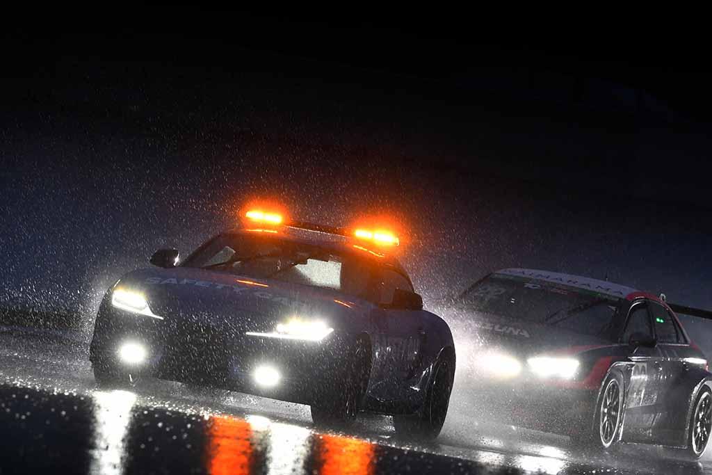 """クラス2位に終わったものの""""雨×スリック""""の木下兄貴の走りにシビれた!【BMW Team Studie代表兼監督「鈴木BOB康昭」のレーシングダイアリーvol.4 スーパー耐久富士24H編】"""