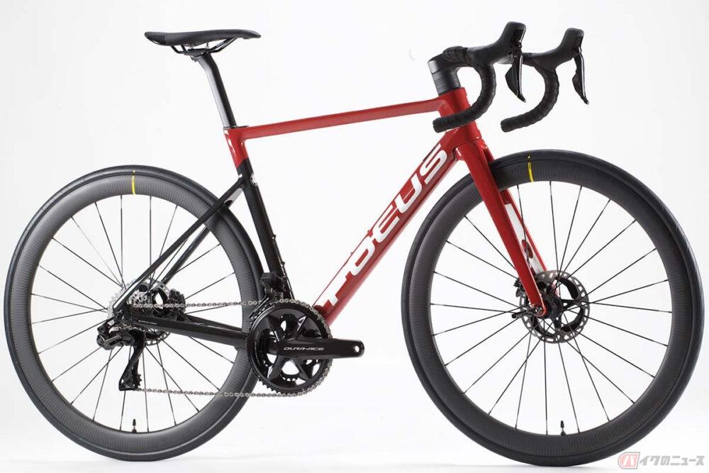 ドイツの自転車ブランド「フォーカス」のプロユースモデルにシマノ製最新コンポーネントをセット