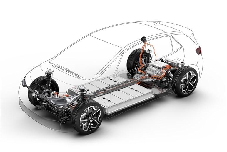 VWの新型EV「ID.3」の市販モデルに先行試乗。走りや専用設計は〇、内装の質感は△