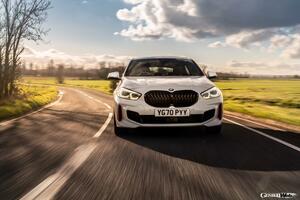 大本命ホットハッチ、BMW 128tiのオフシャルフォトに右ハンドル仕様追加! 【画像ギャラリー】