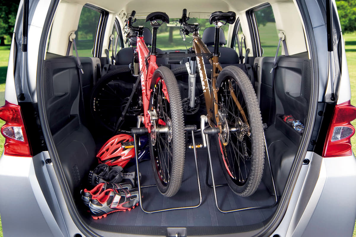 「一度経験したら、やめられない」クルマと自転車好き理想の「アウトドア6輪生活」