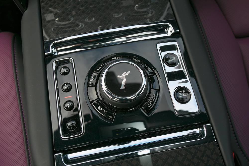 4530万円あればオーナーになれる!超本格的なオフロード性能を纏ったロールス・ロイスのラグジュアリーSUV「カリナン ブラックバッジ」