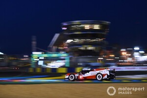 【ル・マン24時間】レースは折り返しとなる12時間が経過。トヨタ7号車が首位キープ、8号車は2番手もブレーキトラブルで周回遅れに