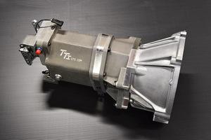 「ハチロクに最強の駆動系を与えてみないか?」AE86専用の6速シーケンシャルミッションキットが登場!