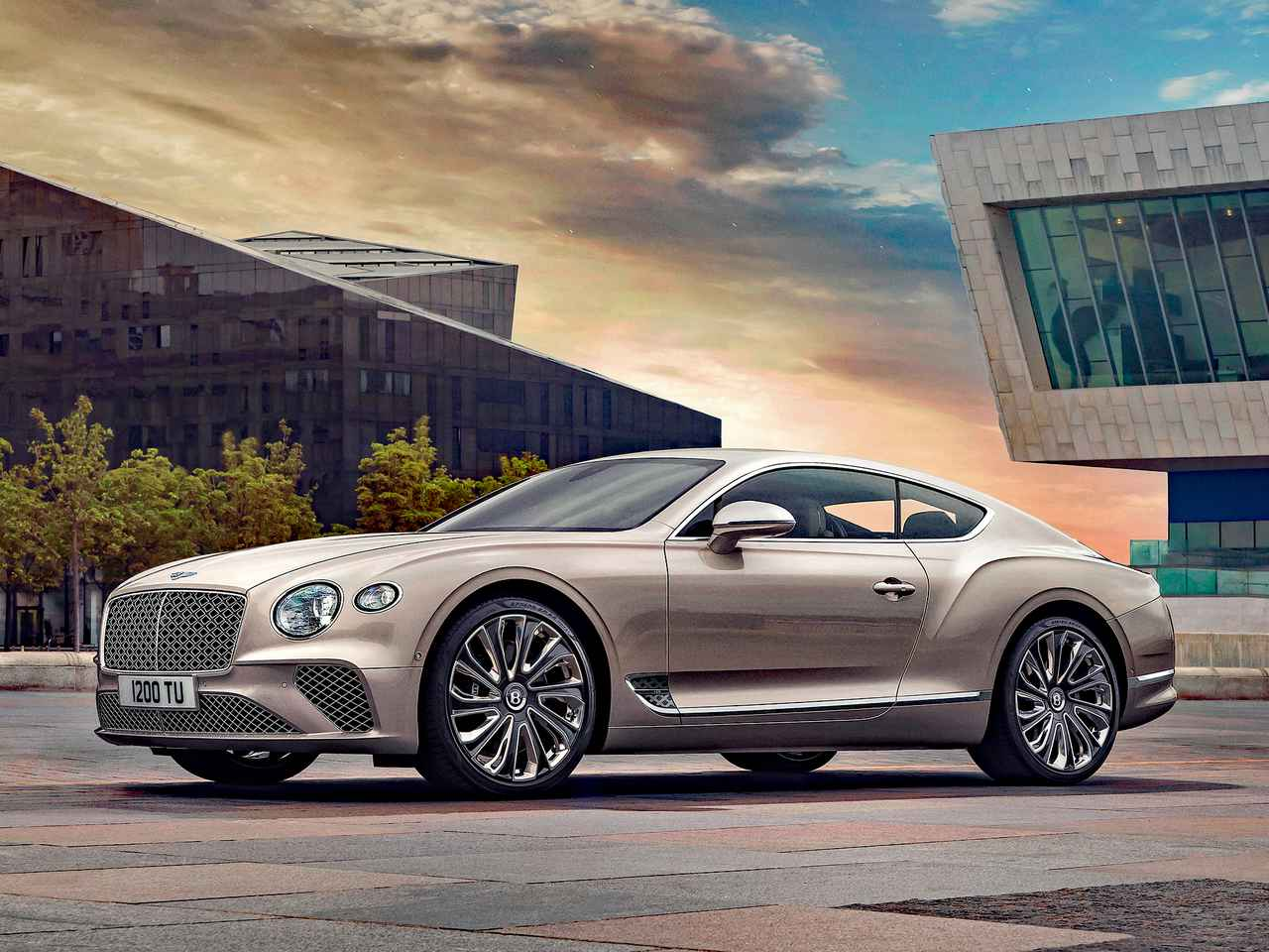 究極の贅沢品、新型「ベントレー コンチネンタルGT マリナー」の価格が発表に