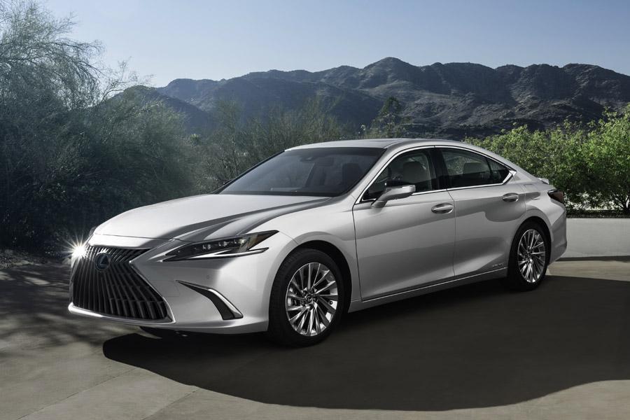 【上海モーターショー2021】レクサス 新型「ES」を世界初公開