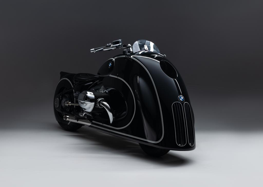これは奇抜!「BMW R18」の最新カスタム仕様はキドニーグリルを装備