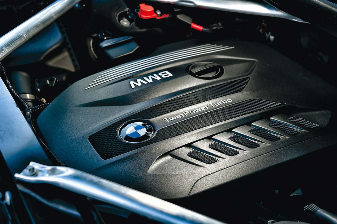 BMW Xシリーズの頂点! X7 xドライブ 35dの巨体が醸し出す「色気」を街中で味わう 【Playback GENROQ 2020】