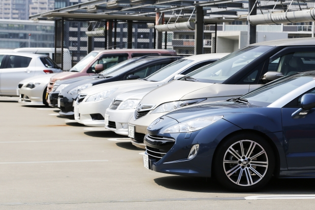 有料駐車場の料金を「現金」で決済しているドライバーは6割以上