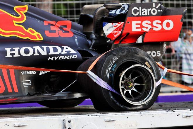 F1タイヤアクシデント多発問題、ハミルトンの左リヤにもカットが見つかる。ピレリ、原因はデブリの可能性との見解